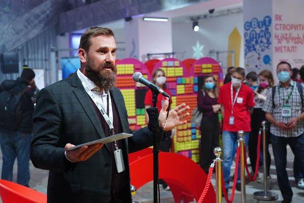Director Oksen Lisovy opens JASU science museum